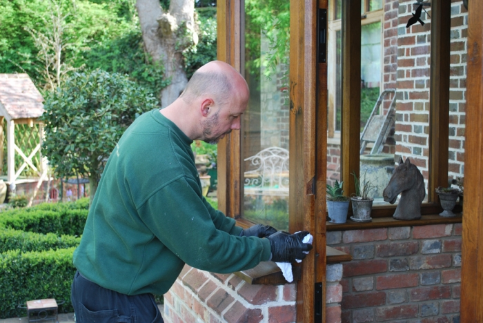 Re-polishing oak exterior woodwork