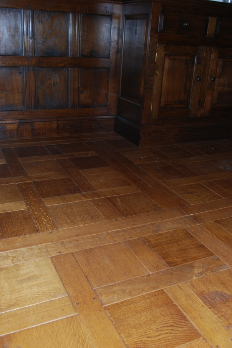 Light Character Grade Versailles Style Oak Panelled Flooring