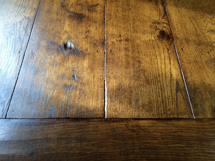 Character Solid Oak Random Width Floor with Boarder