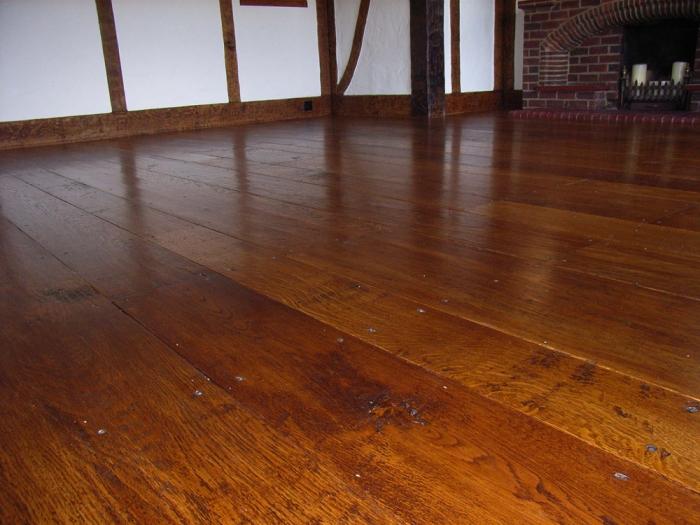 Solid Oak Random Width Flooring