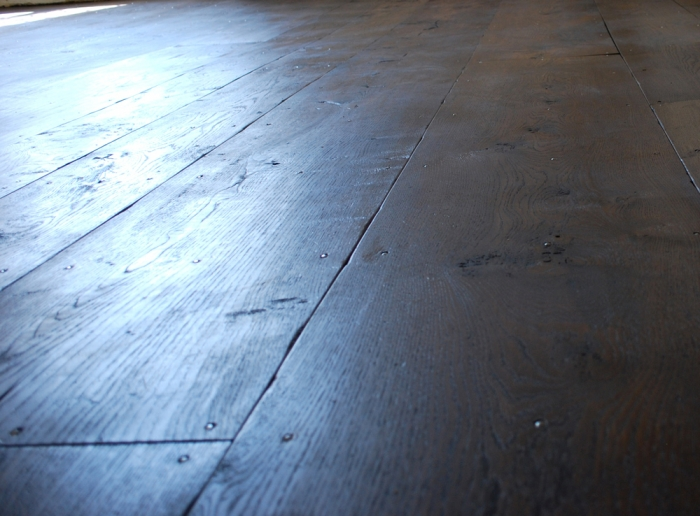 Random Width Character Oak Flooring fully Distressed