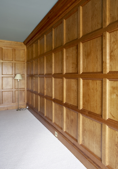 Light Oak Plain Moulded Panelling