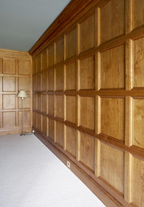 Light Oak Plain Moulded Panelling