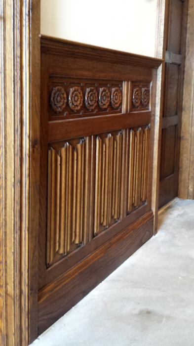Oak Linenfold Panelling with applied Tudor Rose