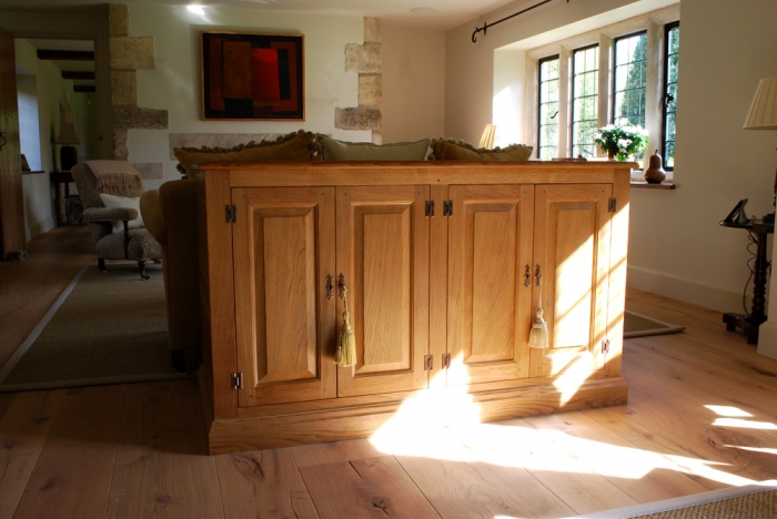 Solid Oak dresser with Integrated TV Lift System