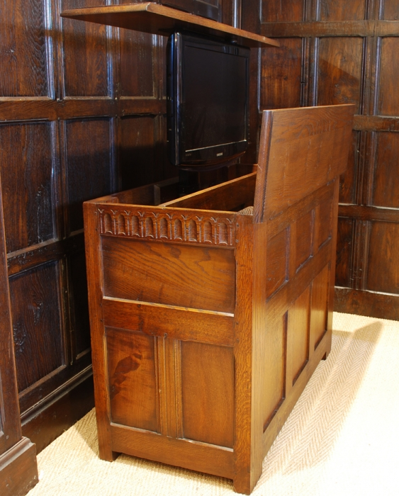 Oak Joined Linen Chest with TV Lift