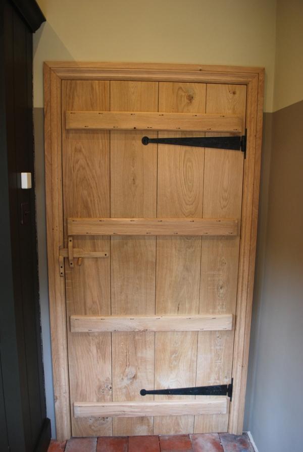 Oak Cottage Door with Handmade Wooden Latch