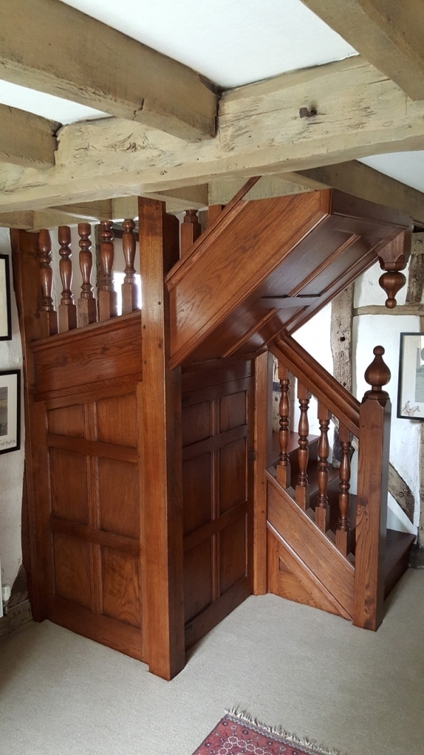 Oak Staircase with Faceted Finials and Under Stair Storage Cupboard