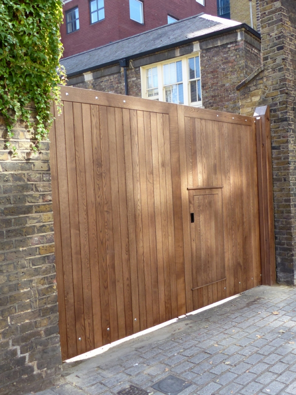 Wicket Gate in a pair of Solid Oak Entrance Gates