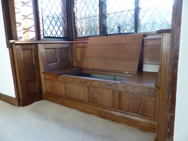 Solid Oak Window Seat with Lift Up Seat for Storage