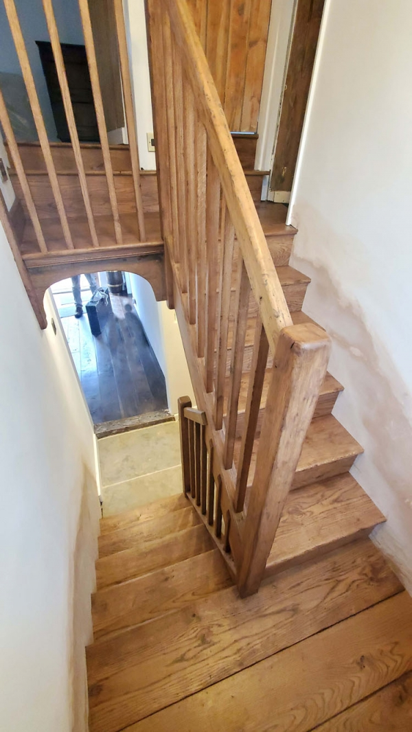 Oak Stairs with simple balustrade